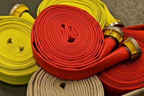 Feuerwehr-Rollschläuche