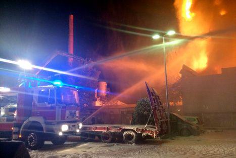 Großbrand Lagerhalle in Neu-Isenburg am 21.10.2014