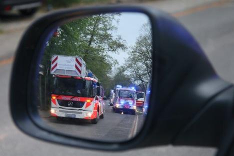 Einsatzübung mit der Flughafenfeuerwehr Frankfurt/M. - Anfahrt der Fahrzeuge