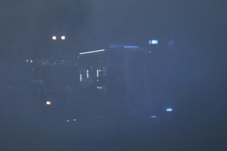 Einsatzübung mit der Flughafenfeuerwehr Frankfurt/M. - Künstlicher Rauch sorgt für realistische Bedingungen